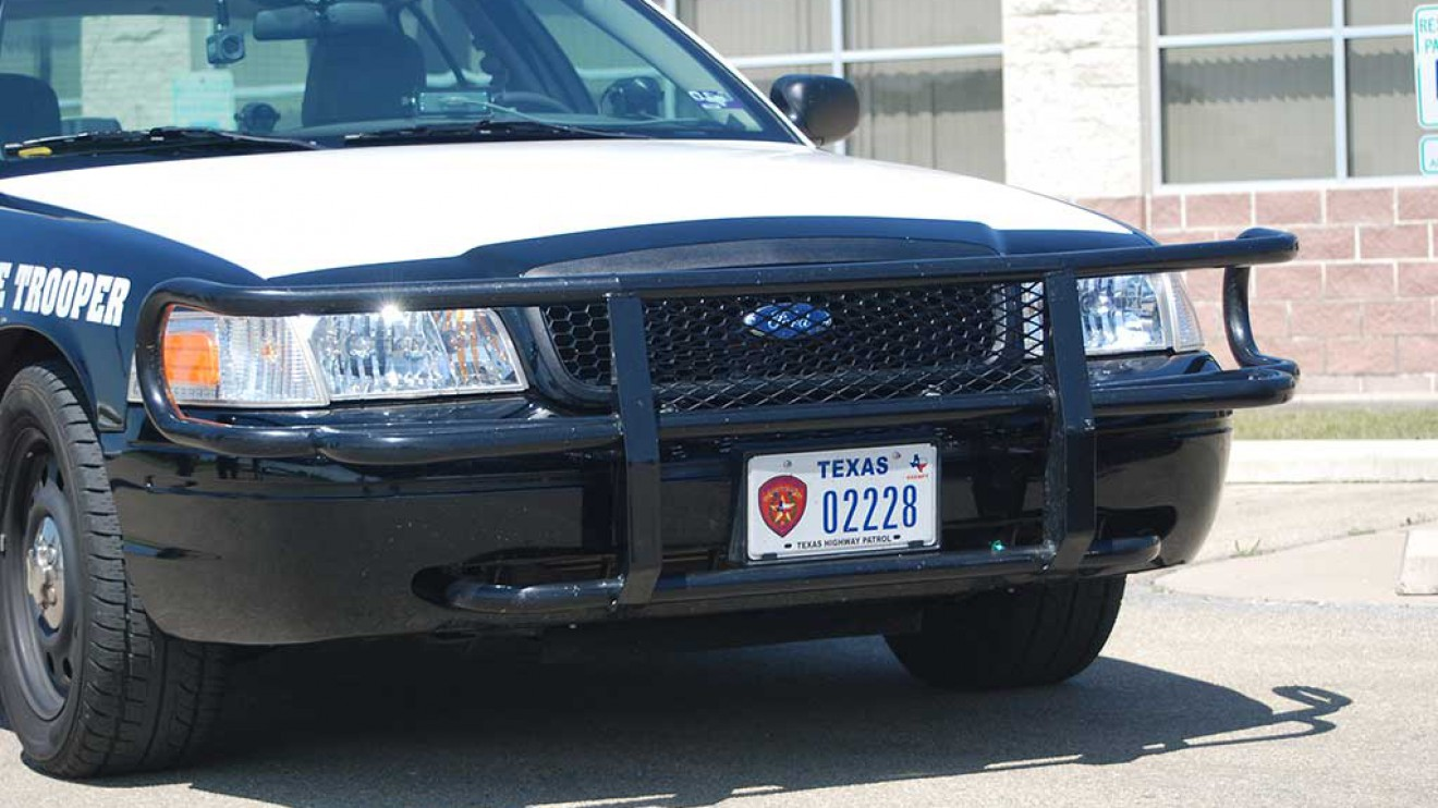 DPS receives new grill guard from HC 100 Club